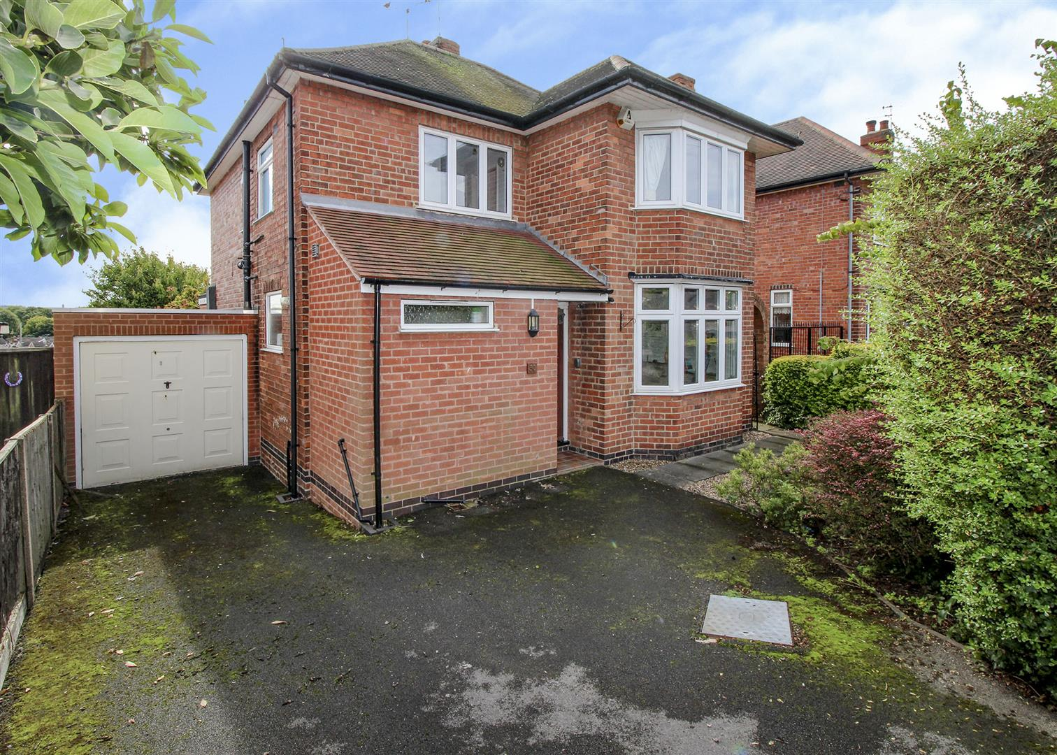 3 Bedrooms Detached House for sale in Hurts Croft, Chilwell